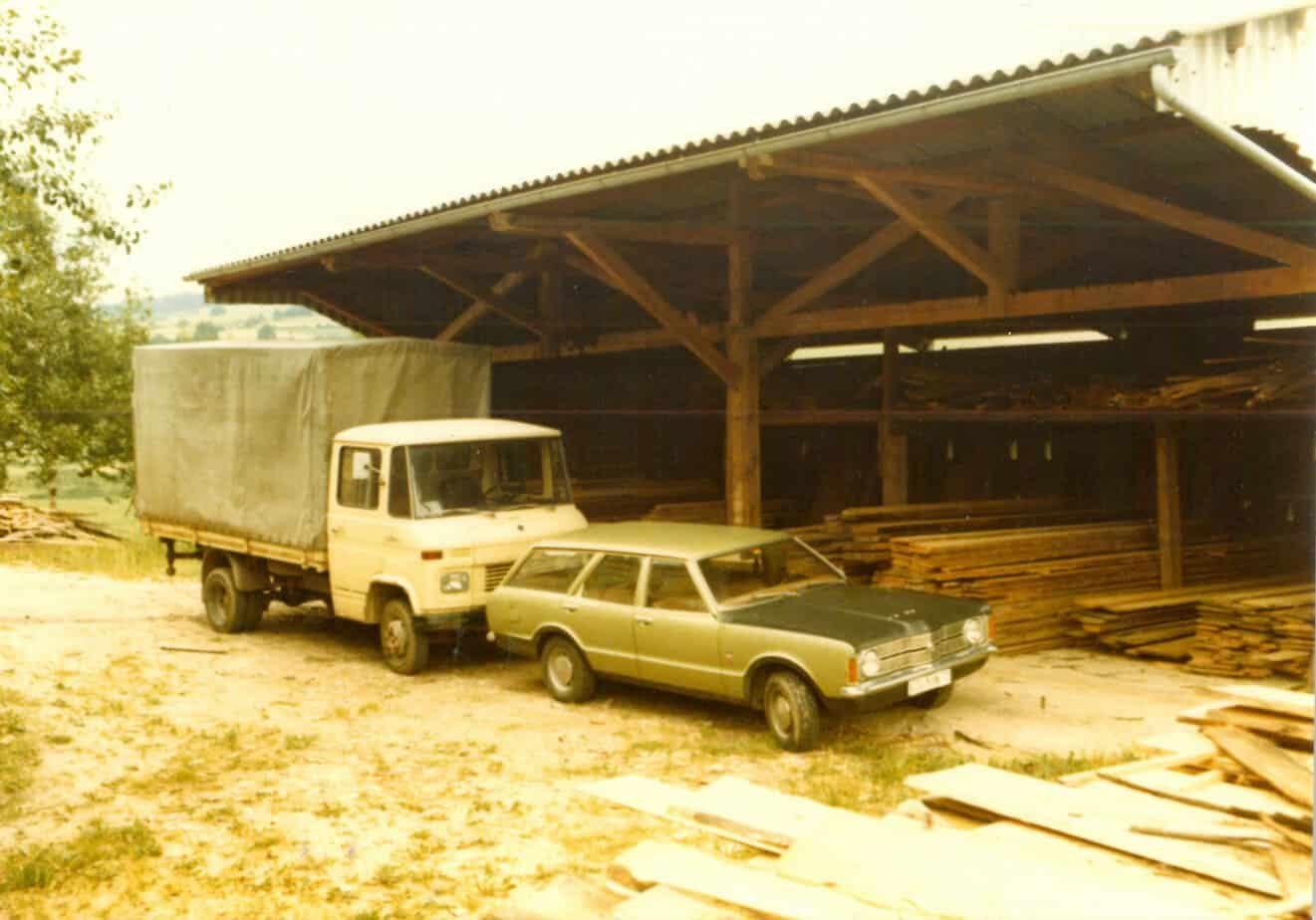 1975-Taunus-und-Mercedes-paltian